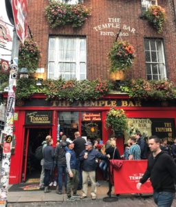 a busy Temple Bar in Dublin, Ireland